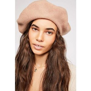 Free People Margot beret in Camel